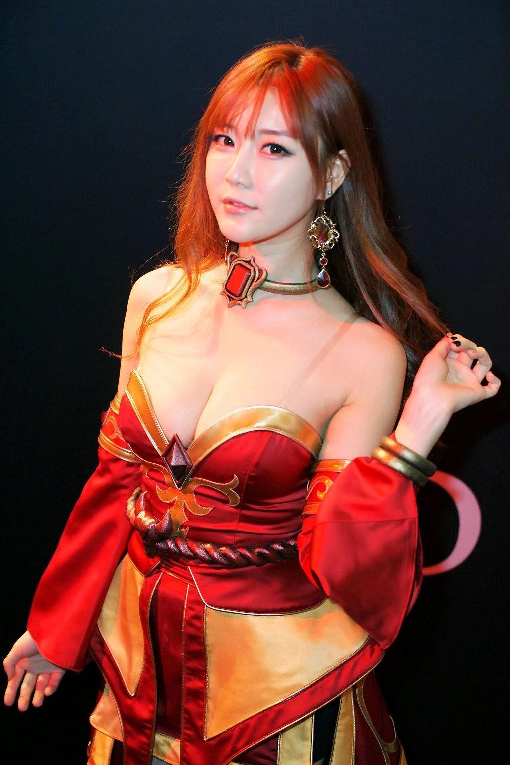 10 Sexiest Cosplay Dota 2