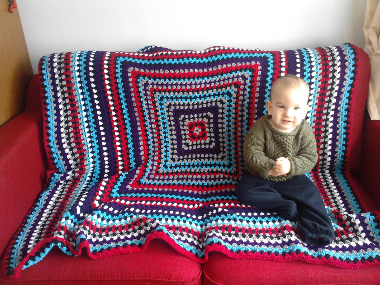 The Best Job In The World: Crochet blanket in granny style