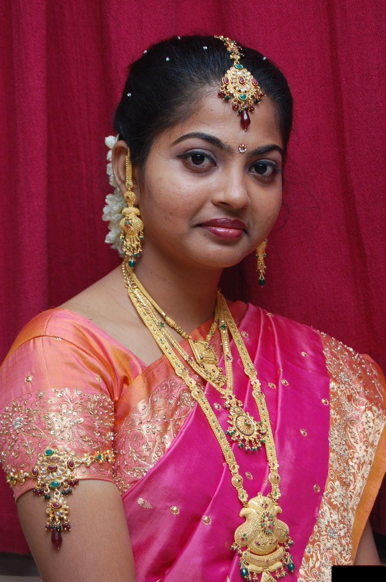 Homely Indian Girls: Homely looking Tamil Nadu college girls