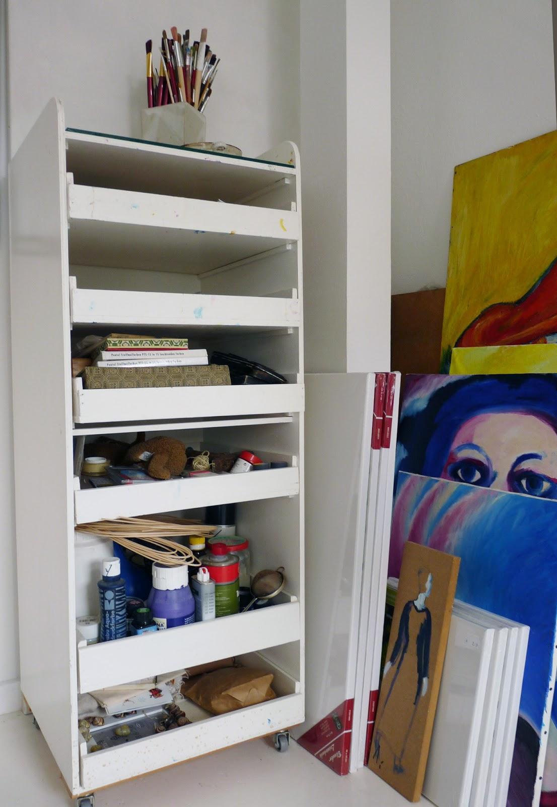 unartig aufr umen und saubermachen. Black Bedroom Furniture Sets. Home Design Ideas