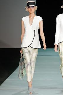 Lässige Kleidung - Kollektion Sommer 2012 Emporio Armani - Milan Fashion Week