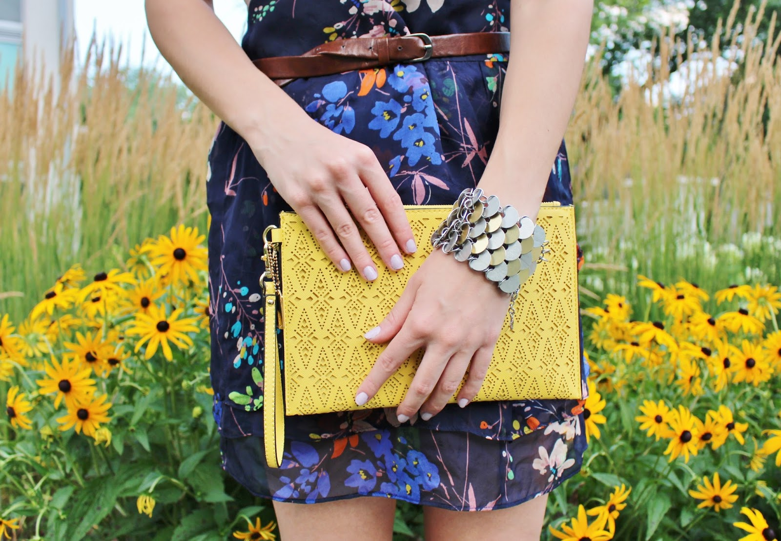 bijuleni,yellow clutch