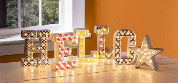 Hello Heidi Swapp Marquee Love Lights @craftsavvy @heidiswapp @sarahowens #heidiswapp #craftwarehouse #hsMarqueeLove #marquee #lights