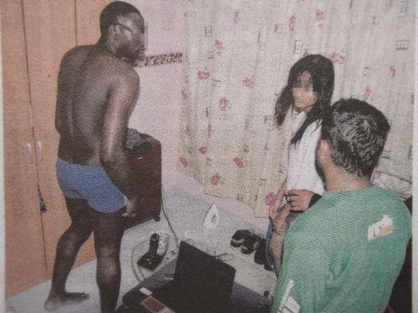isteri empat anak sanggup meninggalkan suaminya di Filipina semata mata kerana seorang warga NIGERIA