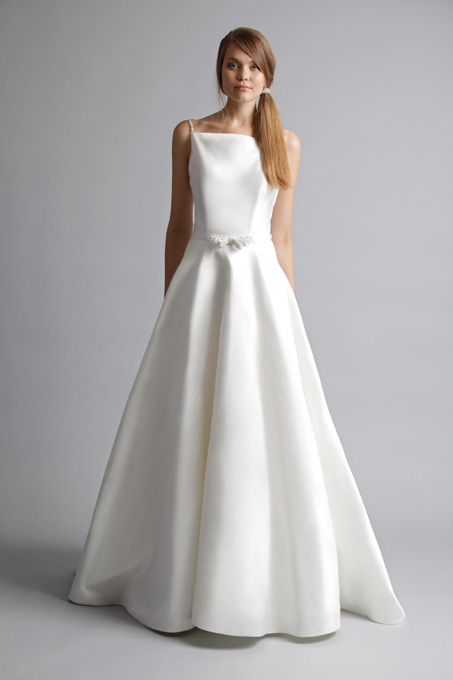 It Can Make People Look Slimmer And Taller If You Are Looking For A Plus Size Wedding Dress Go An Line Style