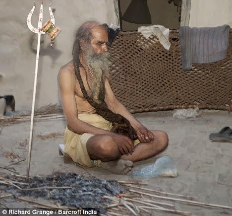 Kaliash, pria tidak mandi selama 38 tahun