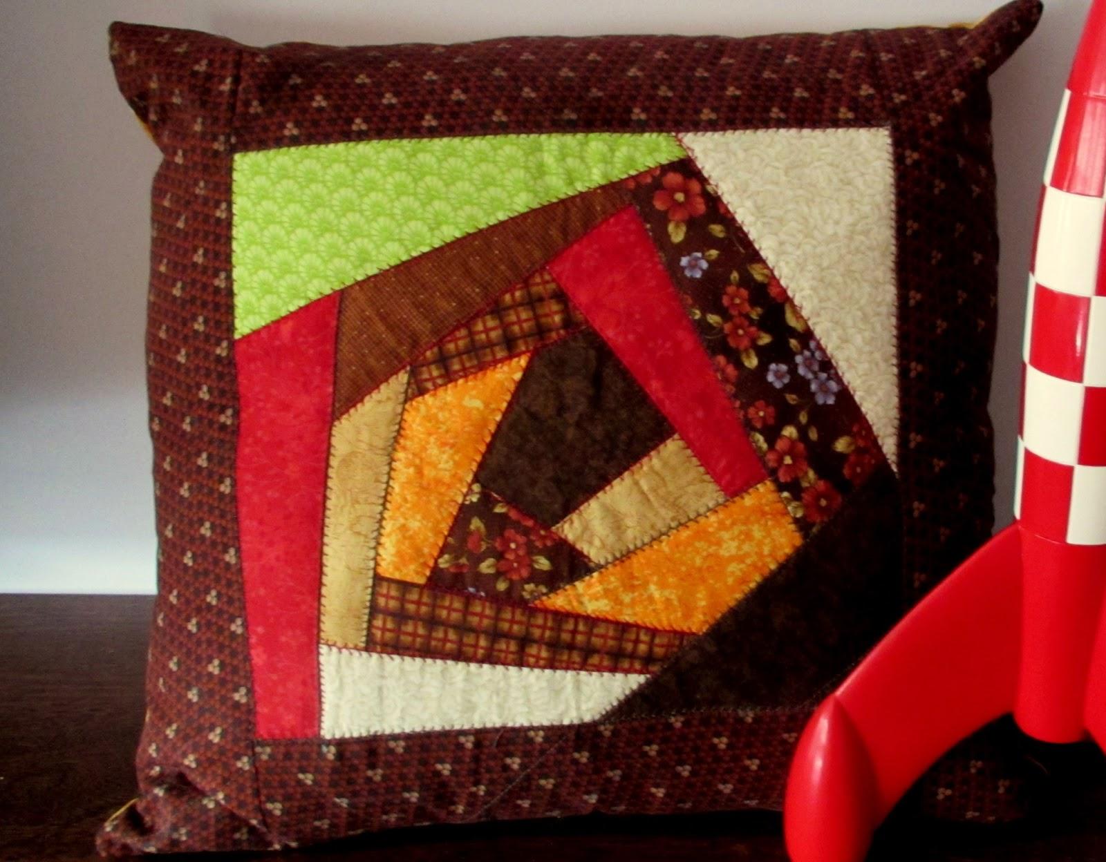 Momentos de patchwork cojines y colcha escalera - Acolchados en patchwork ...