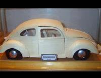 http://comohacermaquetas.blogspot.com/2013/12/volkswagen-de-carton.html