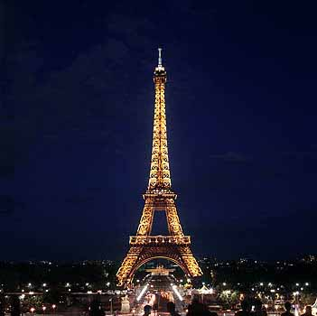 Eiffel Tower Paris Pictures Night on World Beautiful Places  Eiffel Tower Paris At Night