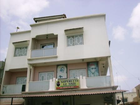 Duplexe 4 chambres salon meubl s louer sur la route de l for Meuble au senegal