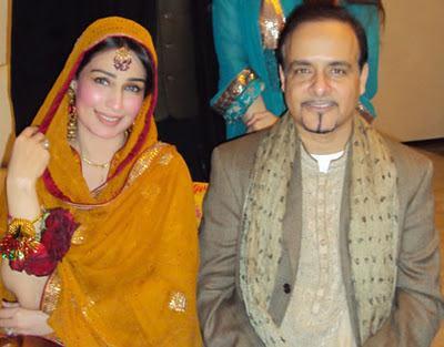 Pakistani Actress Noor Wedding Pictures On Reema Khan With Husband