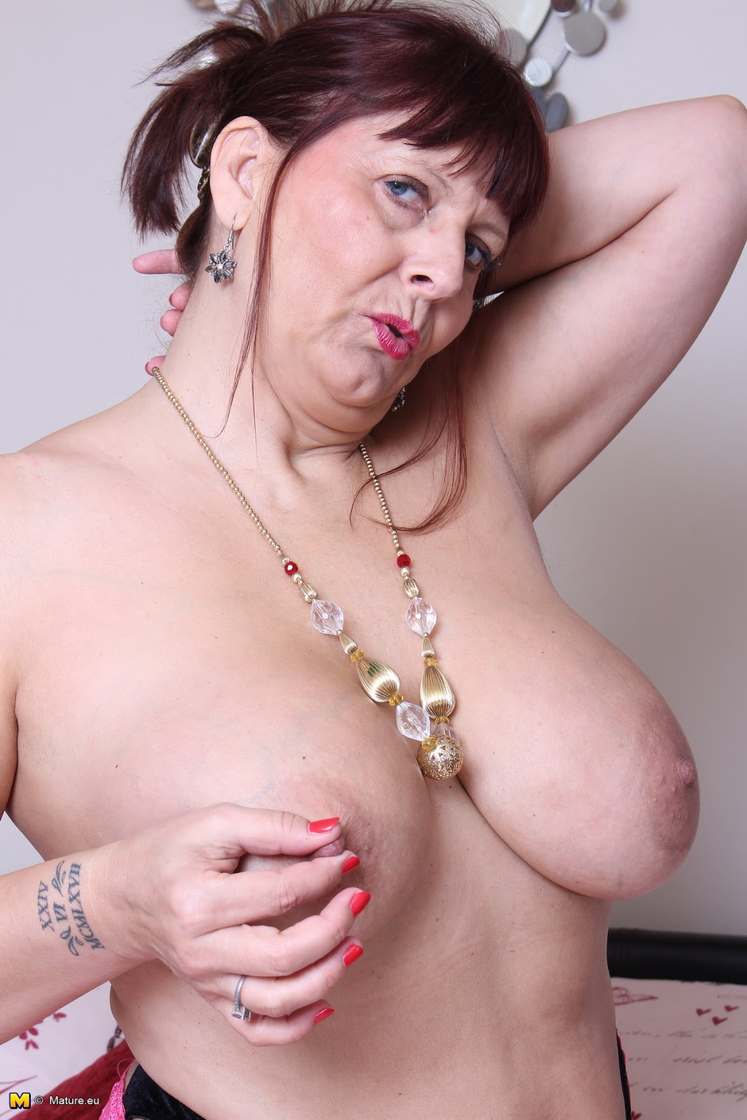 archive of old women .com: Alexa UK Big Breasted Mature