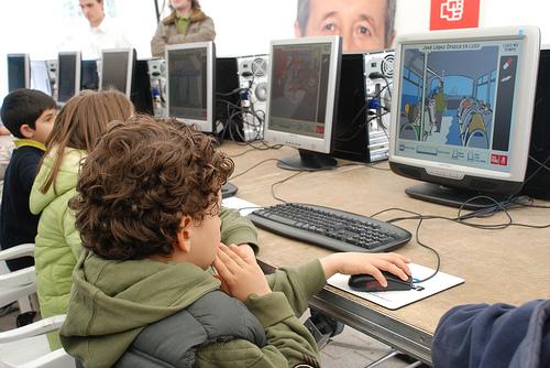 Influencia de la computadora en adolescentes