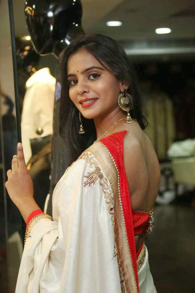 Actress Manasa In Backless Blouse