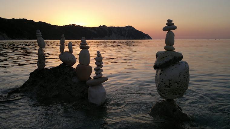 Giuseppe Ceramicola Pietre in Equilibrio Stone Balancing. 2011
