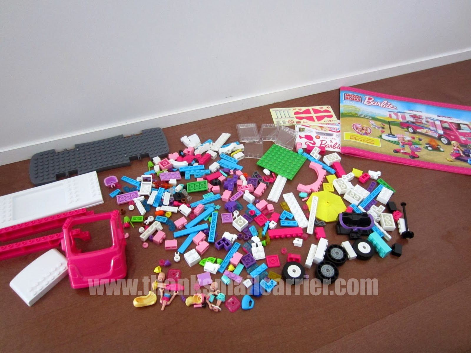 Mega Bloks Barbie camper assembly