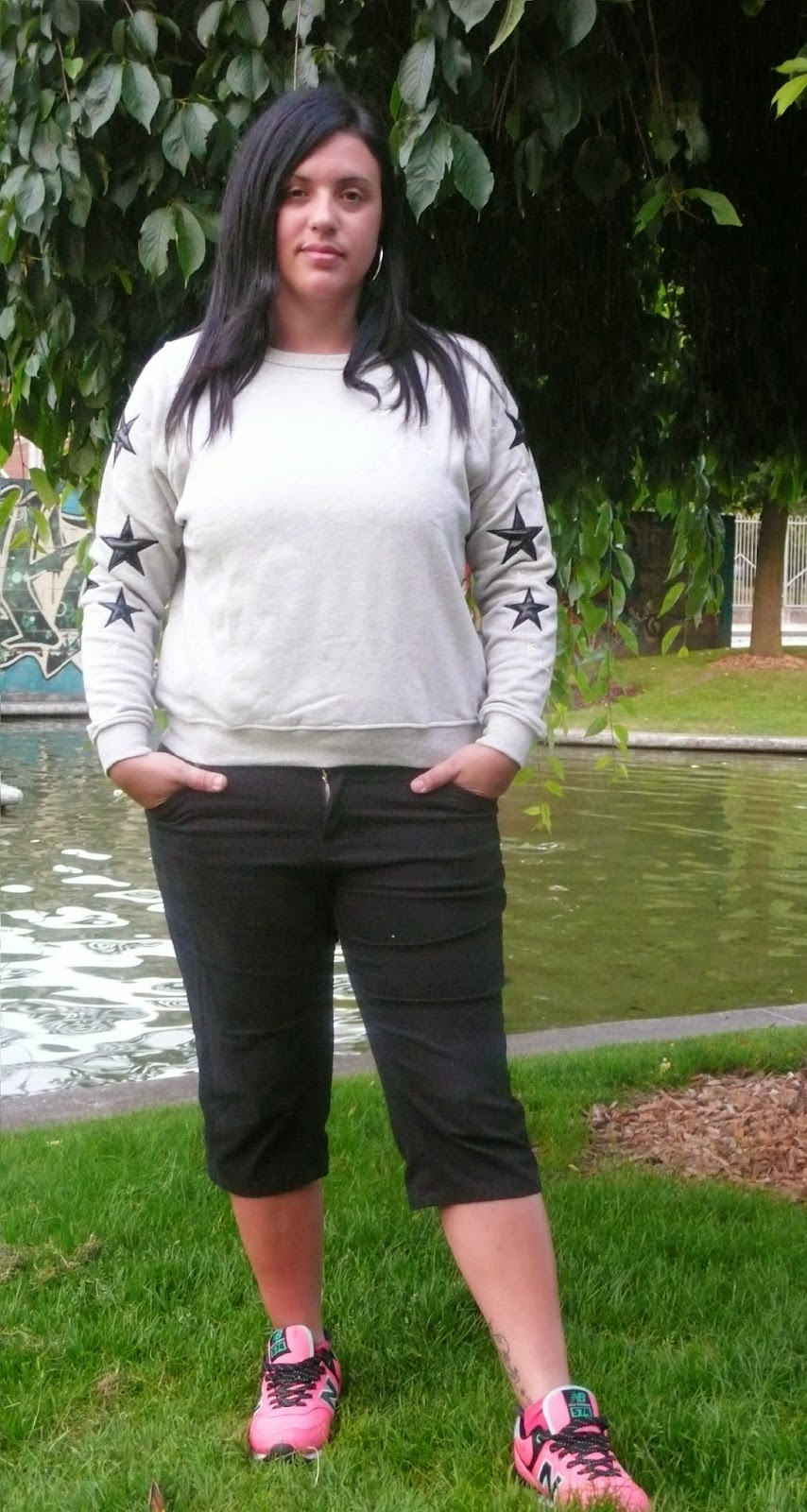 http://www.choies.com/product/gray-sweatershirt-with-star-print-sleeves?cid=3957jesspai