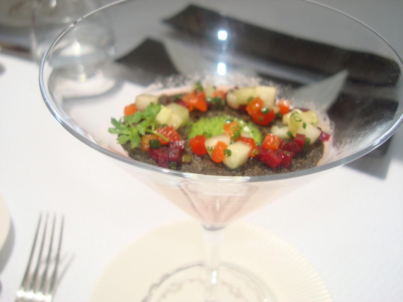Redox briketenia en el aire de mar vasco frances de for A comer en frances
