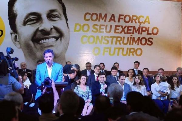 http://www.blogdofelipeandrade.com.br/2015/08/ato-inicia-homenagens-eduardo-campos.html