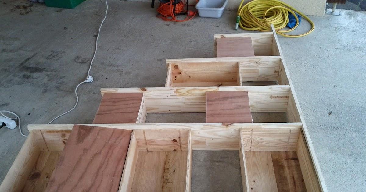 Ti case en bois etag re en caisses de vin - Comment faire une etagere en bois ...