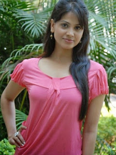 Supriya Shailaja looks cool on a pink dress (7).jpg