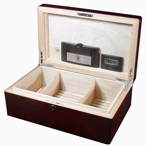 http://www.coronacigar.com/product/Cigar-Humidors/Medium-Humidors/Diamond-Crown-St.-James-Oxford-90ct-Humidor-XHDC90OX/