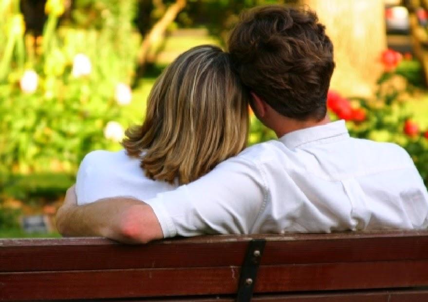 كيف تجعلين شريكك يحبك؟ إليك الطريقة حسب برج الرجل!