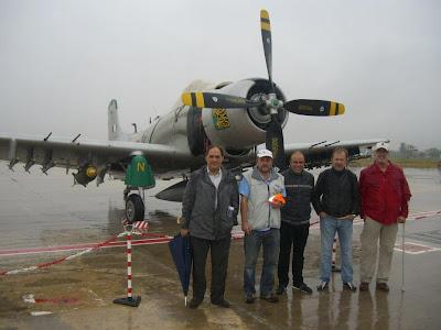 Grup de pilots d'ultralleuger que vingueren dels Camps de Vol de Bellvei i de Mollerussa
