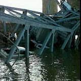 jembatan kutai kartanega runtuh