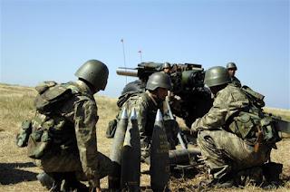 la proxima guerra artilleria turquia bombardeando siria