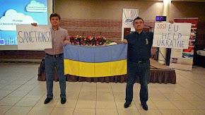 UKRAINE FREE, BOYCOTT PUTIN, BOYCOTT RUSSIA