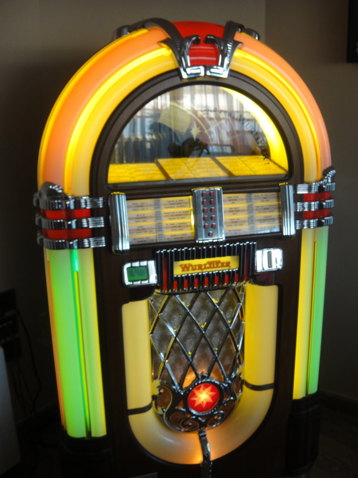 battery operated wurlitzer jukebox battery free engine. Black Bedroom Furniture Sets. Home Design Ideas