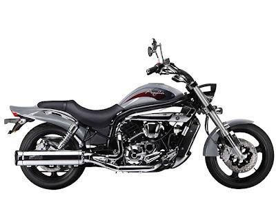 Hyosung GV650 Aquila Pro 2012 motorcycles