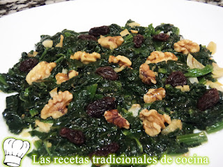 Receta de espinacas salteadas con frutos secos