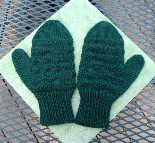 Free Knitting Patterns For Mittens In The Round : BeadKnitter Patterns: Seed Stitch Stripe Mittens for Men
