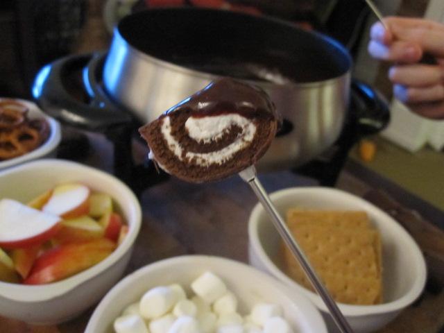 ... of Spectacular: Cornbread-Topped Chili Con Carne & Chocolate Fondue