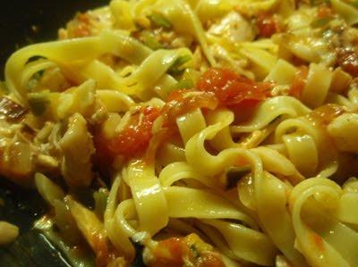 pasta con bonito y verduras