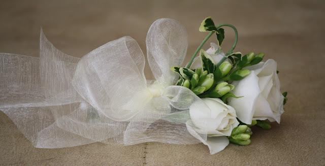 White Corsage - Franklin Plaza - Splendid Stems Event Florals