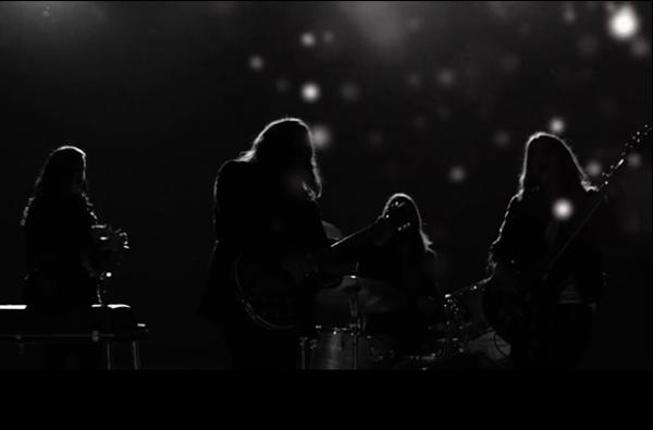 THE-MAGIC-NUMBERS-Presenta-Nuevo-videoclip-Shot-In-The-Dark