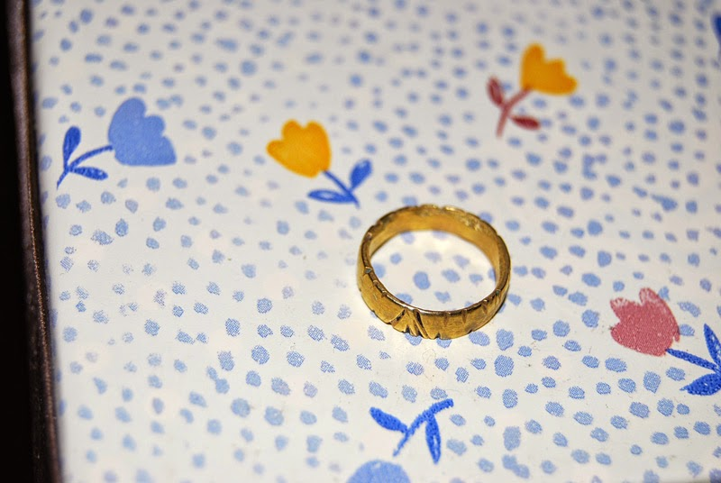 Como hacer un anillo con una moneda.
