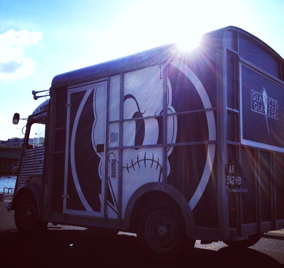 Mes adresses l 39 armoire glaces le camion les glaces for Construction piscine josephine baker