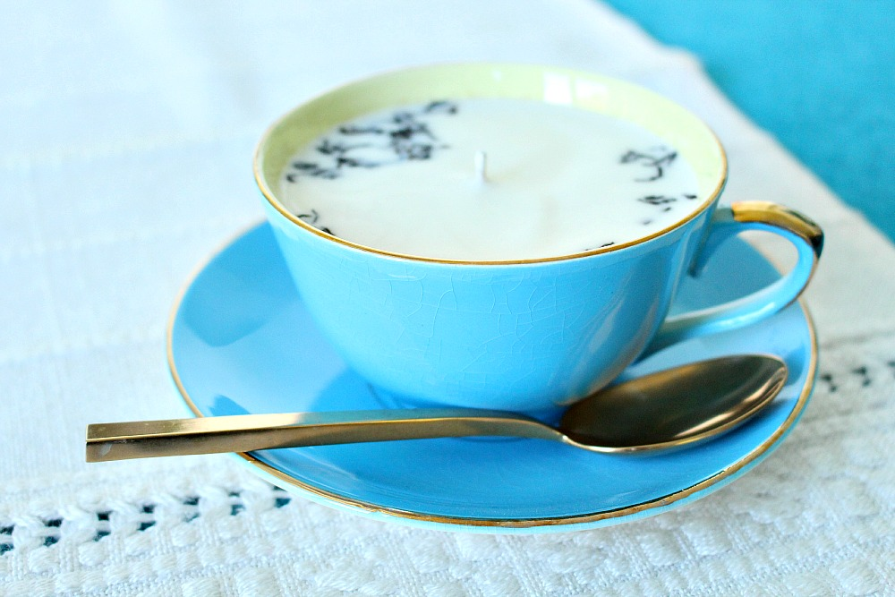 How to make a soy candle in a tea cup
