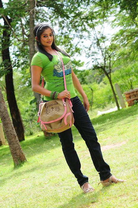 priyamani in tikka actress pics