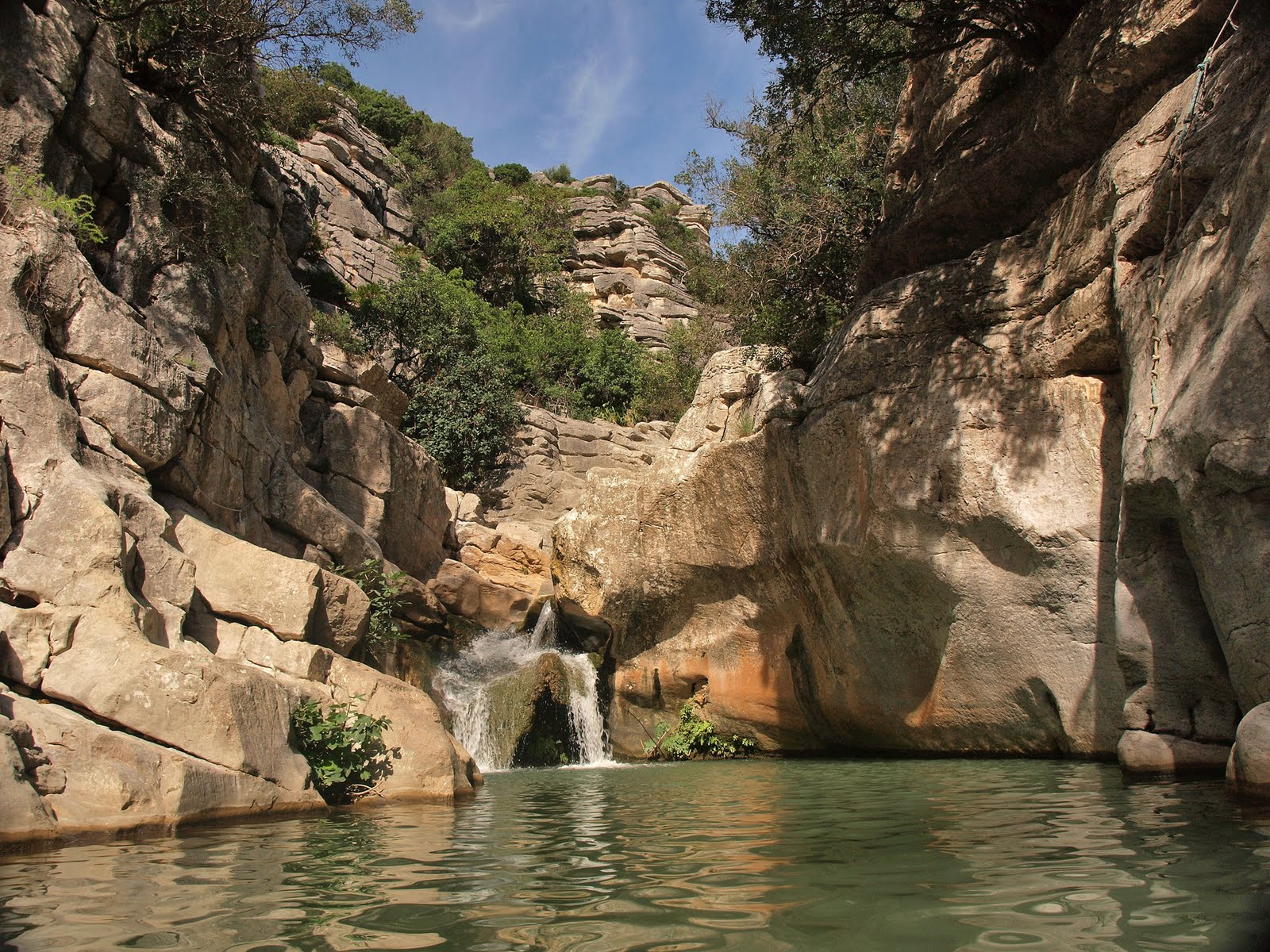 Lobofernando viajando por el parque natural de la sierra for Piscinas naturales guadalajara