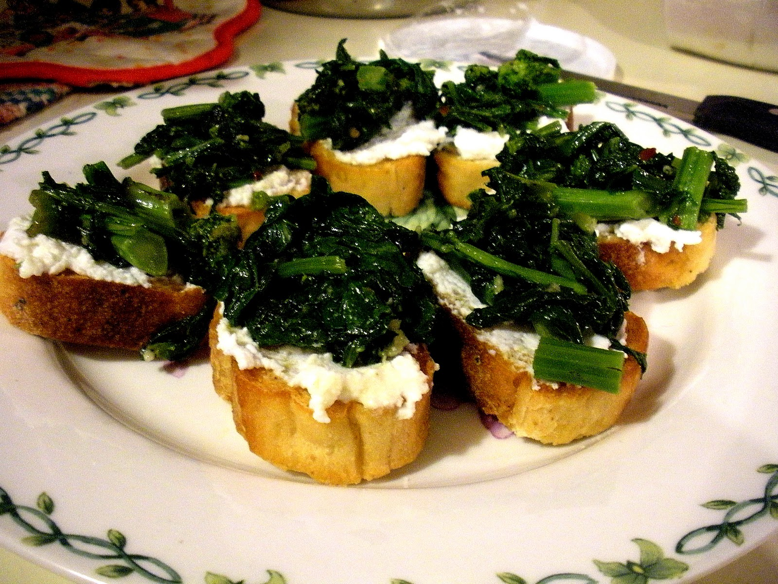 The Reformed Eater: Spicy Broccoli Rabe Bruschetta
