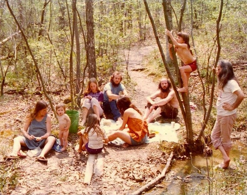 Hippie Communes: Eye-Opening Photographs of Life on Hippie Communes