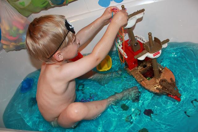 fun pirate bath
