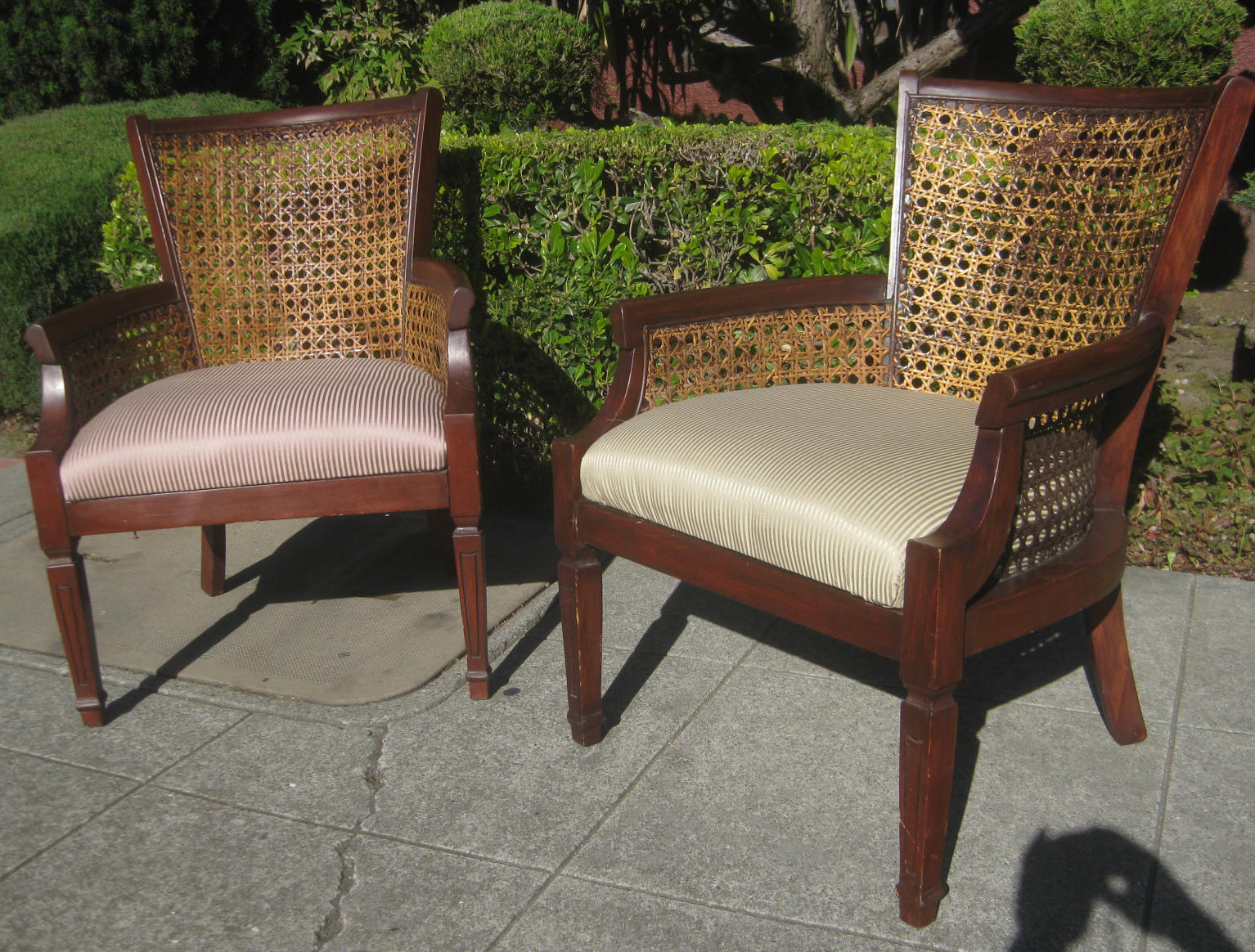 Sold pair of wicker and wood chairs 30 each