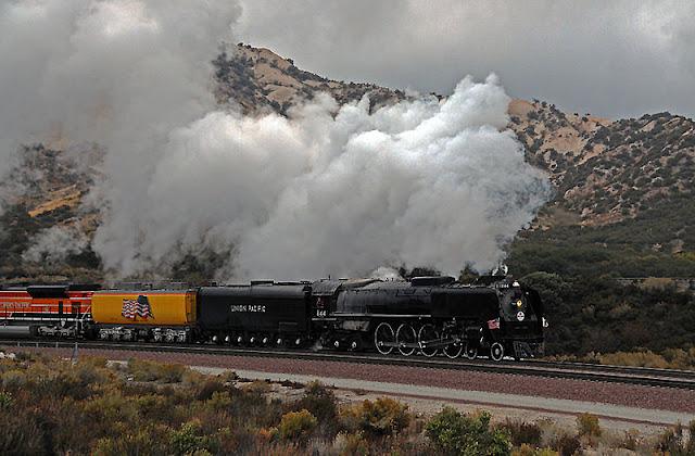 Gambar Kereta Api Lokomotif Uap Union Pacific Northern 4-8-4 844 03