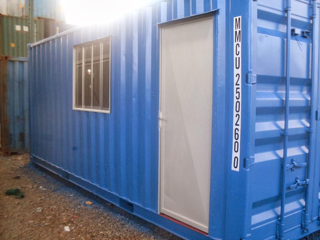 Contêiner de 20´pés adaptado para modulo escritório possui uma  #2D539E 1024x768 Banheiro Container A Venda